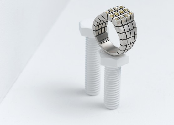 Rectangular ring absolut design