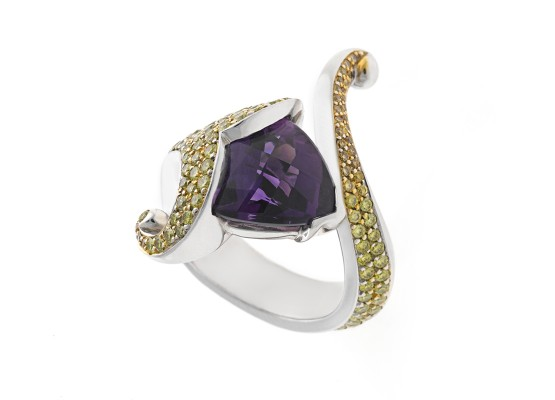 Triangular-cut Amethyst Ring