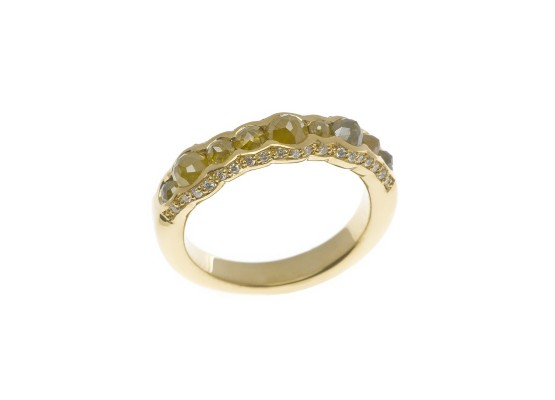 Yellow Gold Ring with ice diamonds