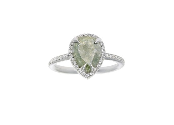 grey diamond Solitaire