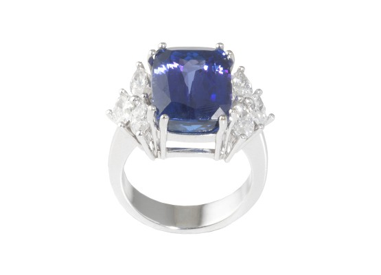 tanzanite and marquise-cut diamonds ring