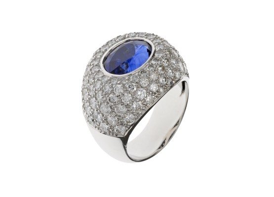 oval-cut sapphire Ring