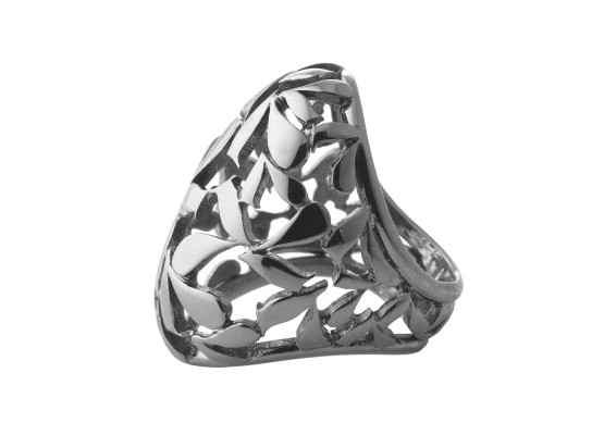 Oval-shaped ring motif ruthenium