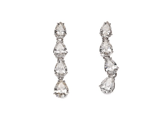 Pear-cut Diamonds Earrings