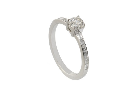Baguette-cut and Cushion-cut Solitaire