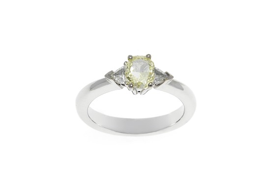Oval-cut fancy diamond ring