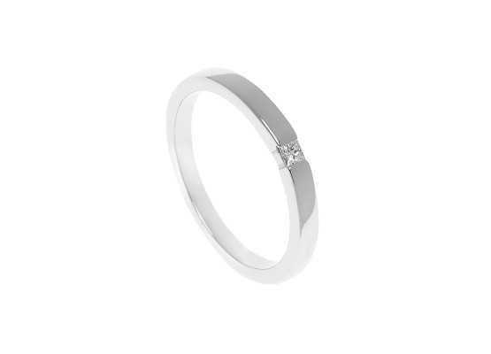 Princess-cut Solitaire 0.05ct